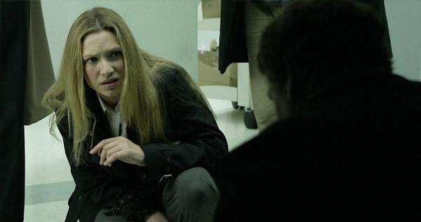 """Anna Torv in """"Fringe"""""""